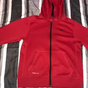 Red nike therma-fit jacket 🧥🌨